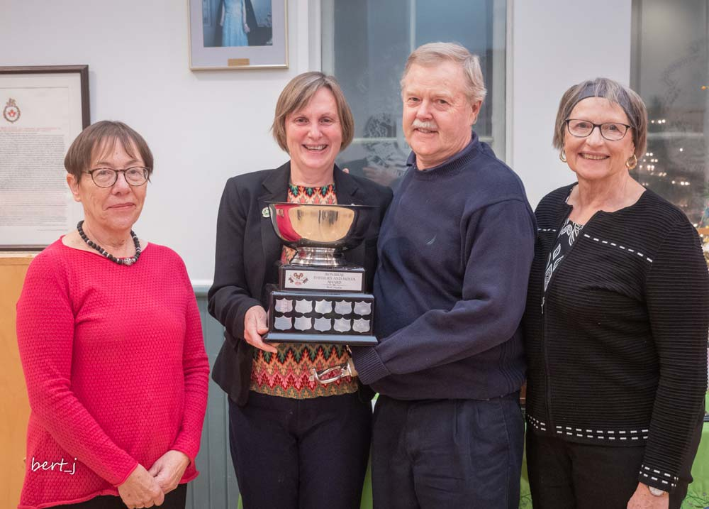 Kathy Kingsley-Bondy, Lise Bois, Barry Mathie and Maggie Goode, Best Hosta Award
