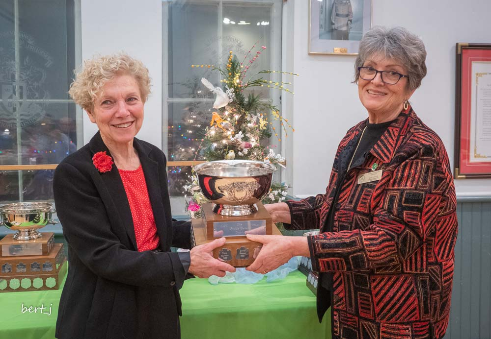 Sandra Dowds Phyllis, Turpin Trophy, Susan Carew